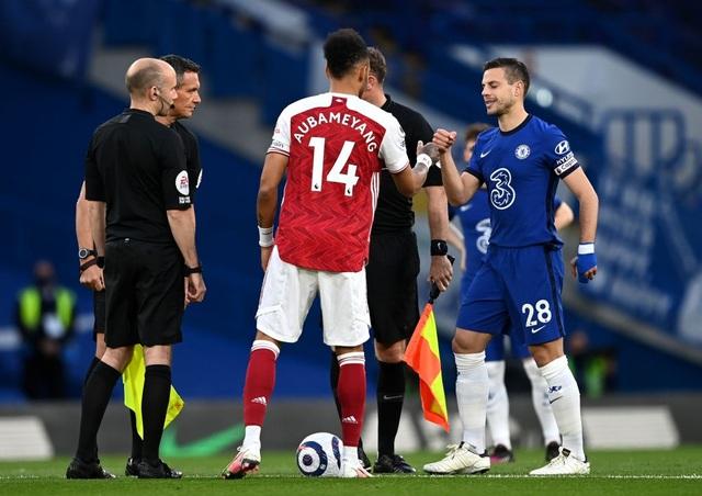 Chelsea 0-1 Arsenal: Silva, Kepa tấu hài, The Blues ôm trái đắng - 1