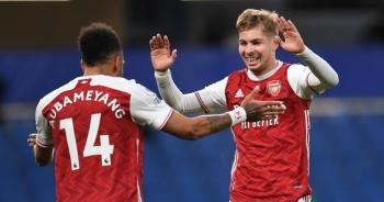 """Chelsea 0-1 Arsenal: Silva, Kepa """"tấu hài"""", The Blues ôm trái đắng"""