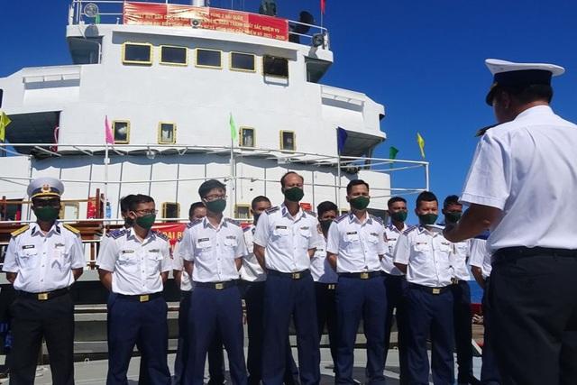 Tàu Cảnh sát biển 9003 bầu cử sớm giữa biển - 1