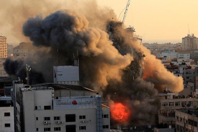 Chiến sự Gaza: Hơn 1.500 tên lửa cày nát khu vực, gần 70 người chết - 1