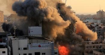 Chiến sự Gaza: Hơn 1.500 tên lửa cày nát khu vực, gần 70 người chết