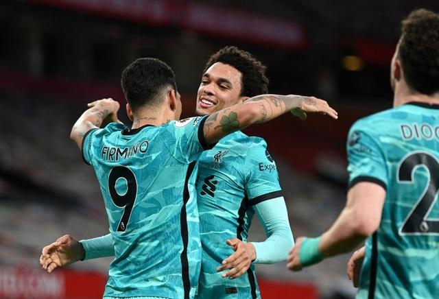 Man Utd 2-4 Liverpool: The Kop đánh sập Old Trafford - 8