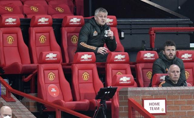 Man Utd 2-4 Liverpool: The Kop đánh sập Old Trafford - 7