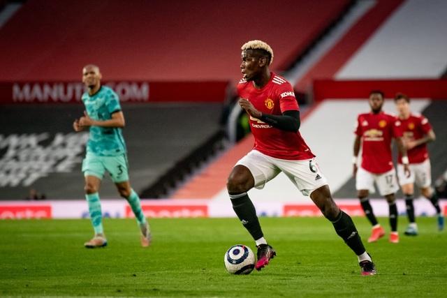 Man Utd 2-4 Liverpool: The Kop đánh sập Old Trafford - 4