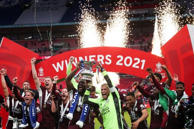 Sau 137 năm chờ đợi, Leicester đã ghi tên vào lịch sử FA Cup - 11