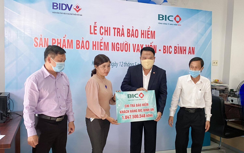 BIC chi trả hơn 1 tỷ đồng quyền lợi bảo hiểm cho khách hàng vay vốn tại Kon Tum