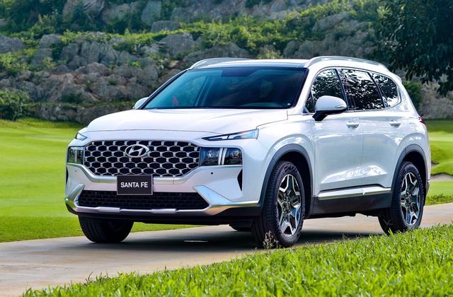 Hyundai Santa Fe 2021 chào khách Việt, tăng giá gần 100 triệu đồng - 1