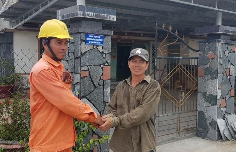 Thợ điện mùa nắng
