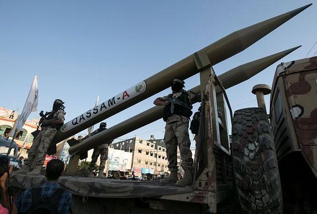 Hamas dọa sẵn sàng bóp cò, đủ rocket tập kích Israel trong nhiều tháng - 1