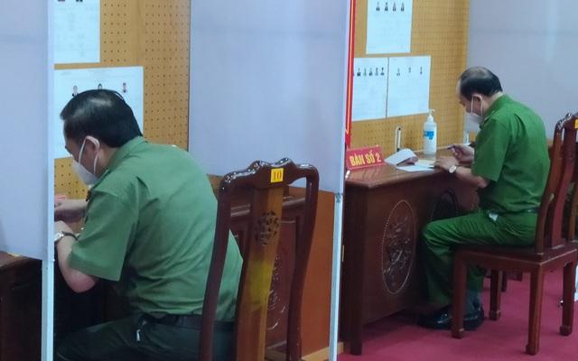 Bắc Ninh tổ chức bầu cử sớm trong khu cách ly - 1