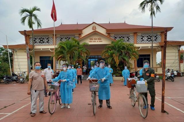 Hình ảnh bầu cử đặc biệt chưa từng có tại điểm nóng Covid-19 Bắc Giang - 7