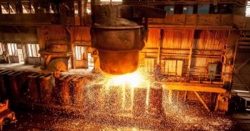 """Giá quặng sắt tăng phi mã, tiền Trung Quốc ồ ạt chảy sang """"túi"""" Australia"""