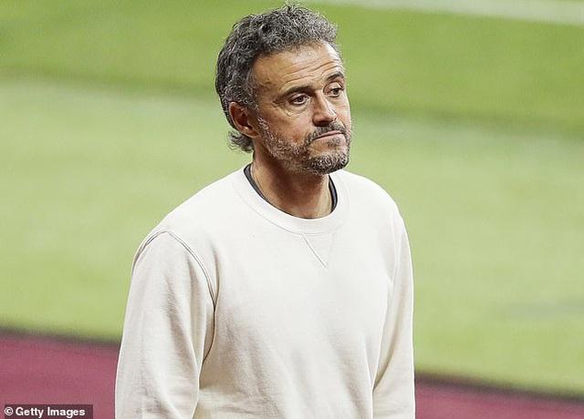 Báo Tây Ban Nha: HLV Enrique phản bội Real Madrid và Sergio Ramos - 1