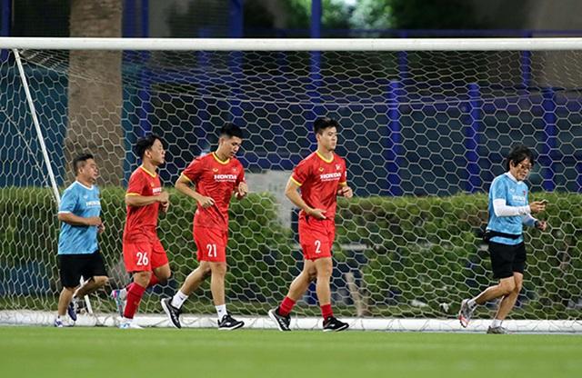 Công Phượng, Quang Hải bở hơi tai vì bài chạy 10 vòng sân - 5