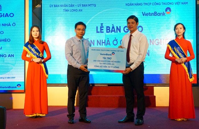 vietinbank ban giao 200 nha cho nguoi ngheo long an