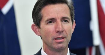 australia to trung quoc lien tuc phot lo de nghi ha nhiet cang thang