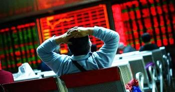 """""""Cơn bão"""" tiền mặt """"lì đòn"""" ào ạt dội vào cổ phiếu ngay sau phiên bán tháo"""