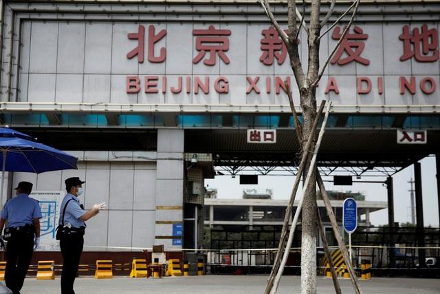 EU lên tiếng về nghi vấn virus corona từ châu Âu gây ra ổ dịch ở Bắc Kinh