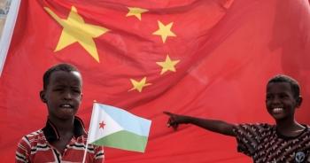 """Sự thật lời hứa """"xóa nợ cho các quốc gia châu Phi đau khổ"""" của Trung Quốc"""