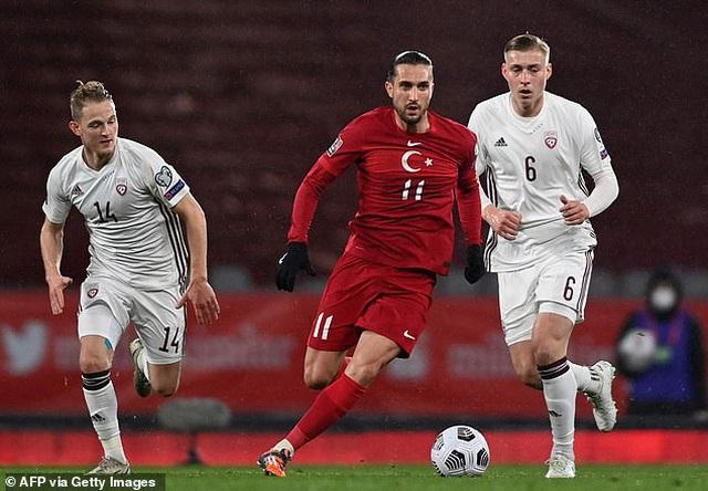Top 10 ngôi sao trẻ hứa hẹn bùng nổ ở Euro 2020 - 10