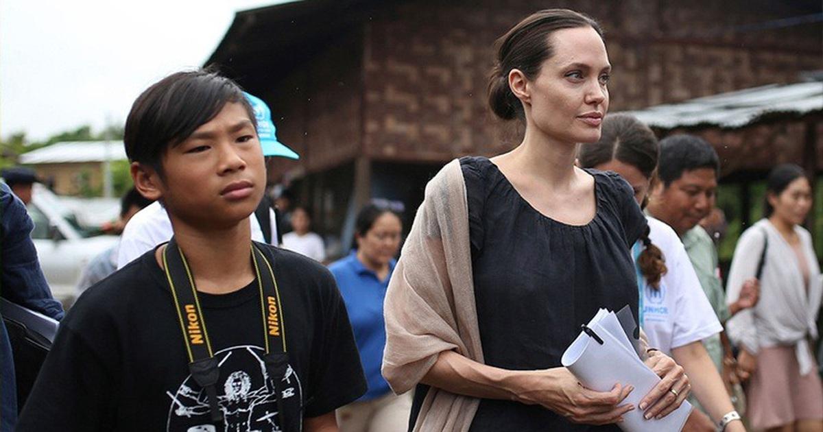 Con gái Triệu Vy từ thiện tiền tỷ, con Angelina Jolie đi giúp người nghèo