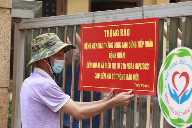Người bán rau dương tính, Hà Nội phong tỏa khu dân cư và bệnh viện - 5