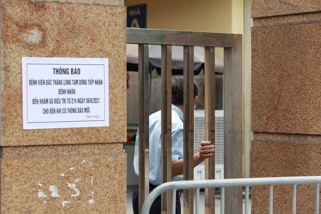 Người bán rau dương tính, Hà Nội phong tỏa khu dân cư và bệnh viện - 4