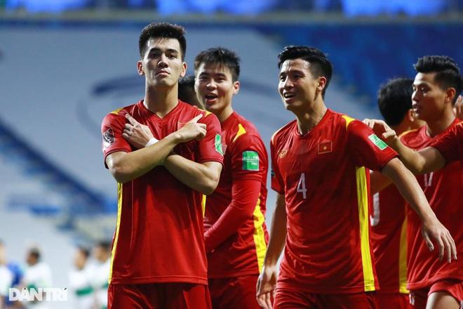 Việt Nam 4-0 Indonesia: Duyên ngầm của Công Phượng - 1