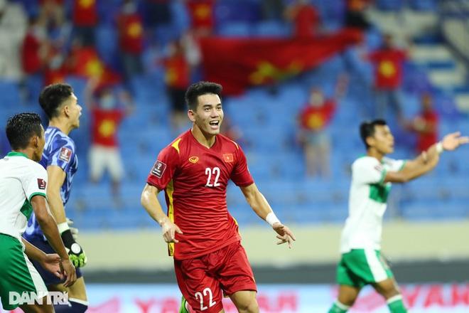 Việt Nam 4-0 Indonesia: Duyên ngầm của Công Phượng - 7