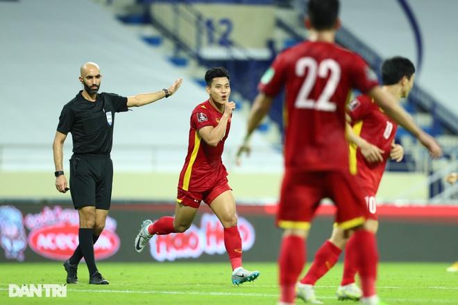 Việt Nam 4-0 Indonesia: Duyên ngầm của Công Phượng - 4