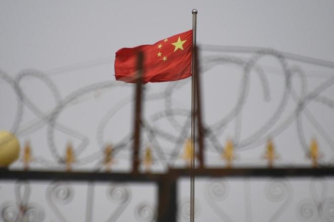 Trung Quốc trả đũa các lệnh trừng phạt, giới doanh nghiệp châu Âu lo ngại - 1