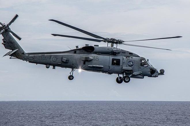 Tàu chiến Mỹ - Australia tập trận bắn đạn thật trên Biển Đông - 4