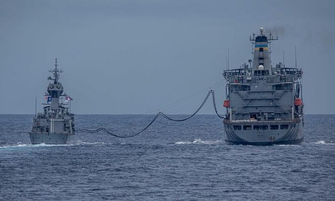 Tàu chiến Mỹ - Australia tập trận bắn đạn thật trên Biển Đông - 5