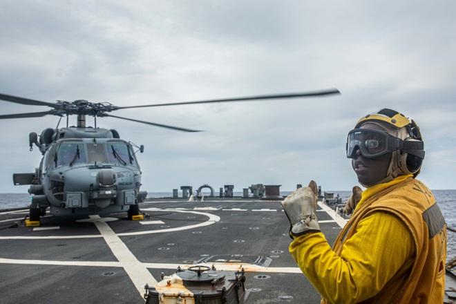 Tàu chiến Mỹ - Australia tập trận bắn đạn thật trên Biển Đông - 7