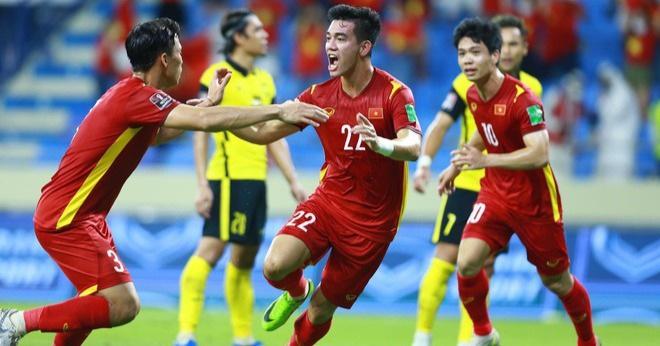 Ai sẽ thay HLV Park Hang Seo chỉ đạo ở trận gặp UAE? - 1