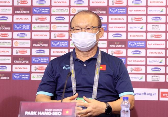 HLV Park Hang Seo: Cầu thủ Việt Nam không được nghĩ hòa UAE là đi tiếp - 1