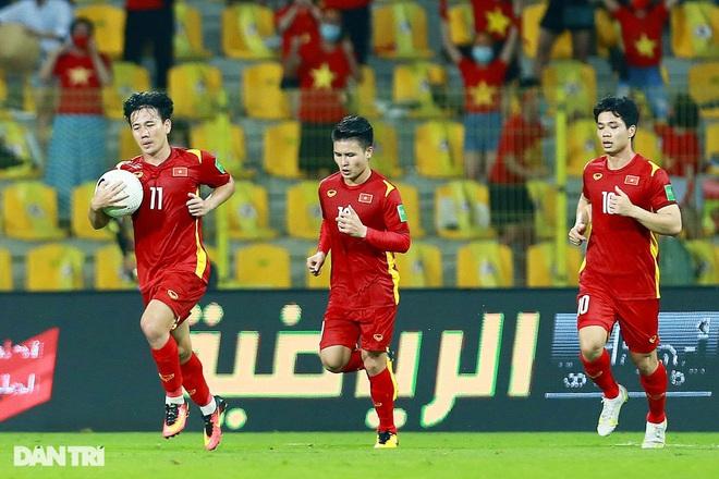 Tuyển Việt Nam hãnh diện với thế giới khi đi tiếp ở vòng loại World Cup - 2
