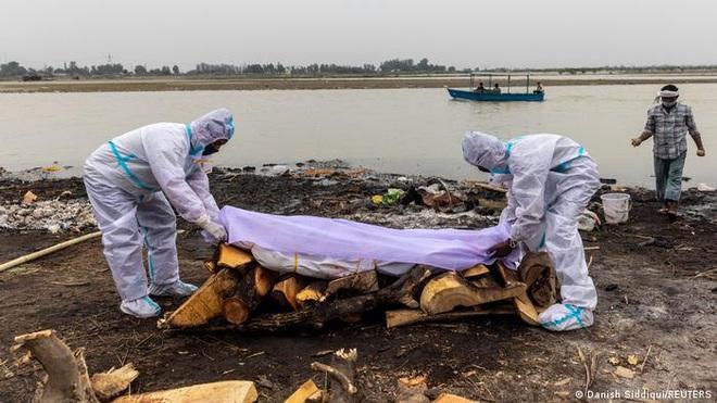 Phát hiện dấu vết SARS-CoV-2 trong nước sông ở Ấn Độ - 1