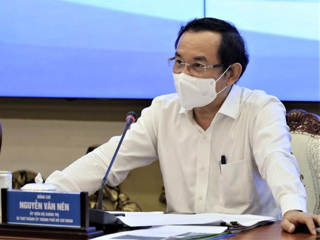 Bí thư TPHCM: Cần nâng mức giãn cách xã hội ở nơi nguy cơ cao - 1