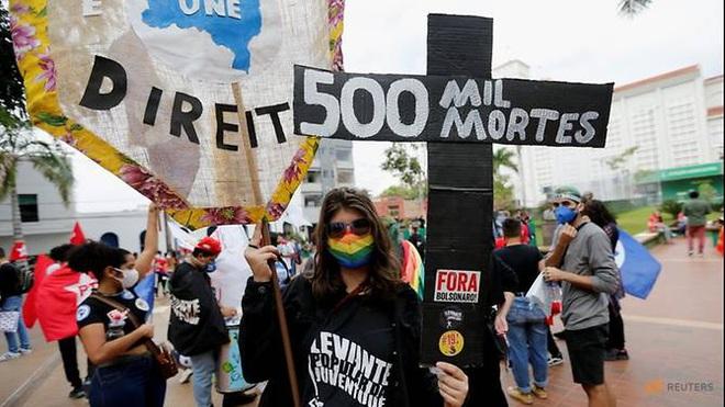Hơn 500.000 người Brazil chết vì Covid-19, thủ đô Nga phá kỷ lục ca mắc mới - 1