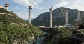 """Nợ Trung Quốc với số tiền lớn, Montenegro được châu Âu """"cứu"""""""