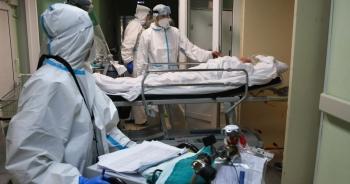 Bệnh nhân nằm hành lang bệnh viện, ông Putin cảnh báo dịch Covid-19 ở Nga