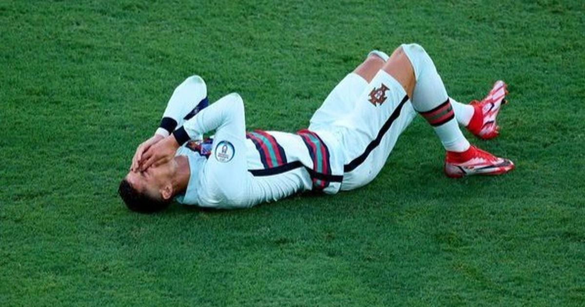 C.Ronaldo bị chế giễu vì pha ăn vạ trong trận đấu với đội tuyển Bỉ
