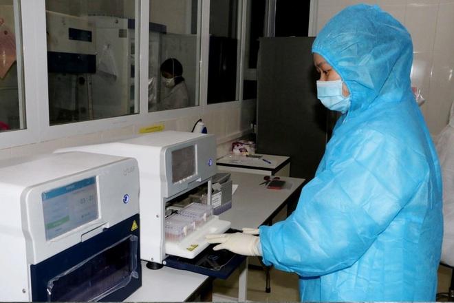 Hà Tĩnh: Nhiều trẻ nhỏ dương tính với SARS-CoV-2 - 1