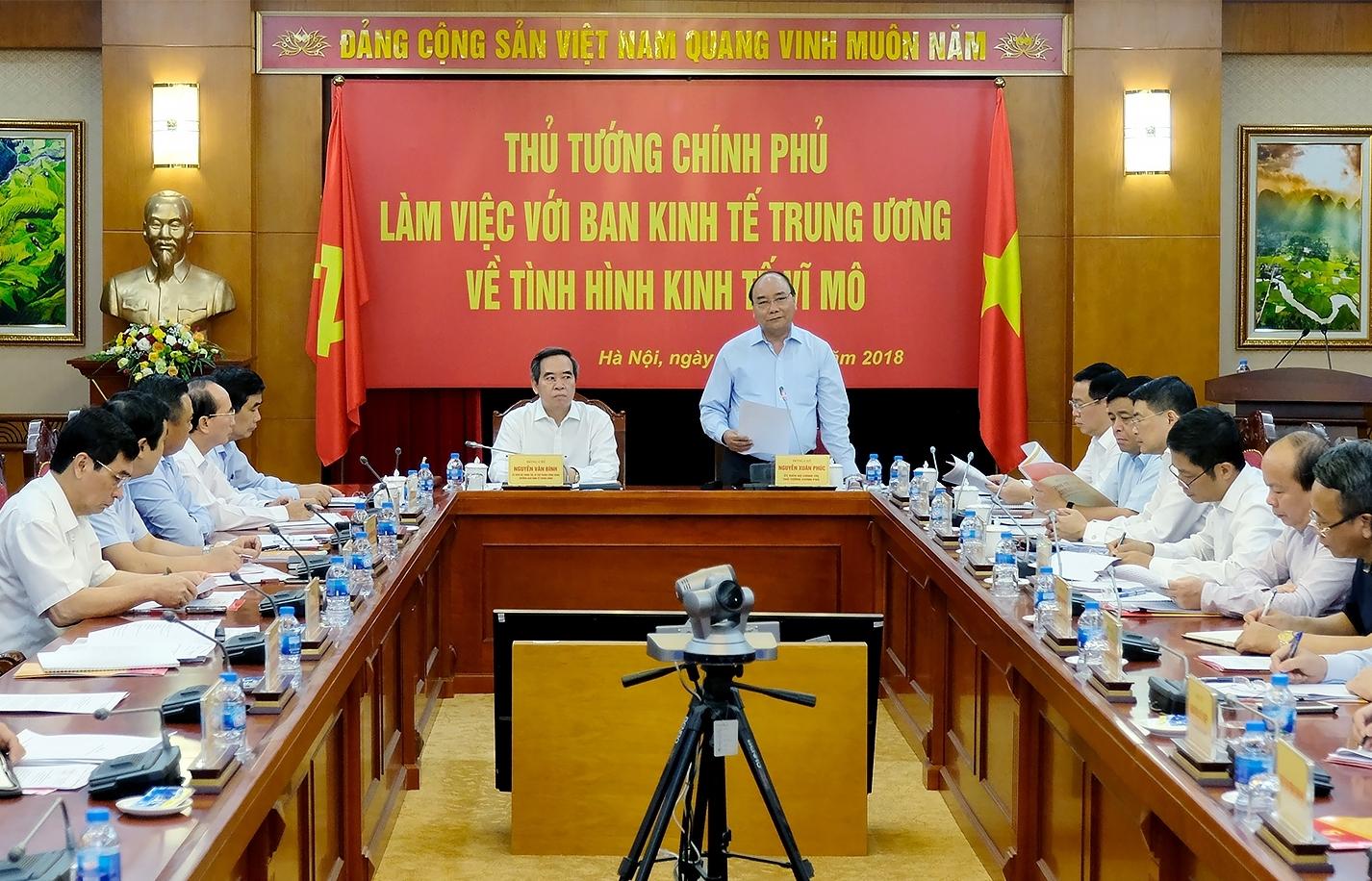 thu tuong chinh phu lam viec voi ban kinh te trung uong