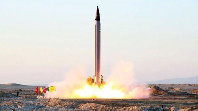 Iran dọa tiêu diệt tàu sân bay Mỹ bằng tên lửa