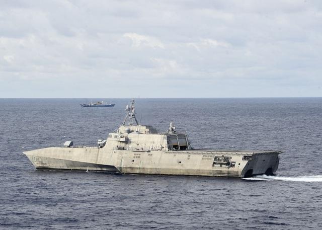 Tàu chiến Mỹ theo sát tàu khảo sát Trung Quốc trên Biển Đông