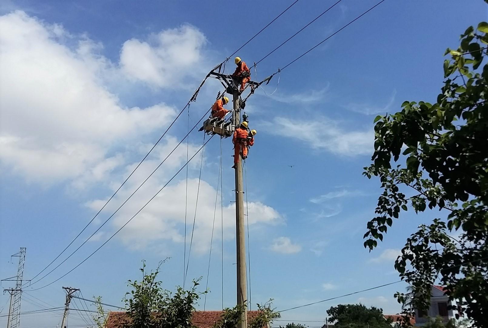 Nỗi lòng vợ thợ điện