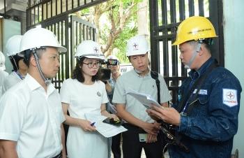 Lượng điện tiêu thụ tăng cao, EVNHCMC phúc tra 3 lần mới ra hoá đơn