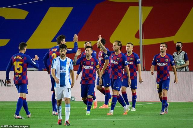 Luis Suarez ghi bàn, Barcelona nuôi mộng bám đuổi Real Madrid